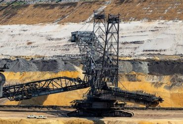 open-pit-mining-3559207_640